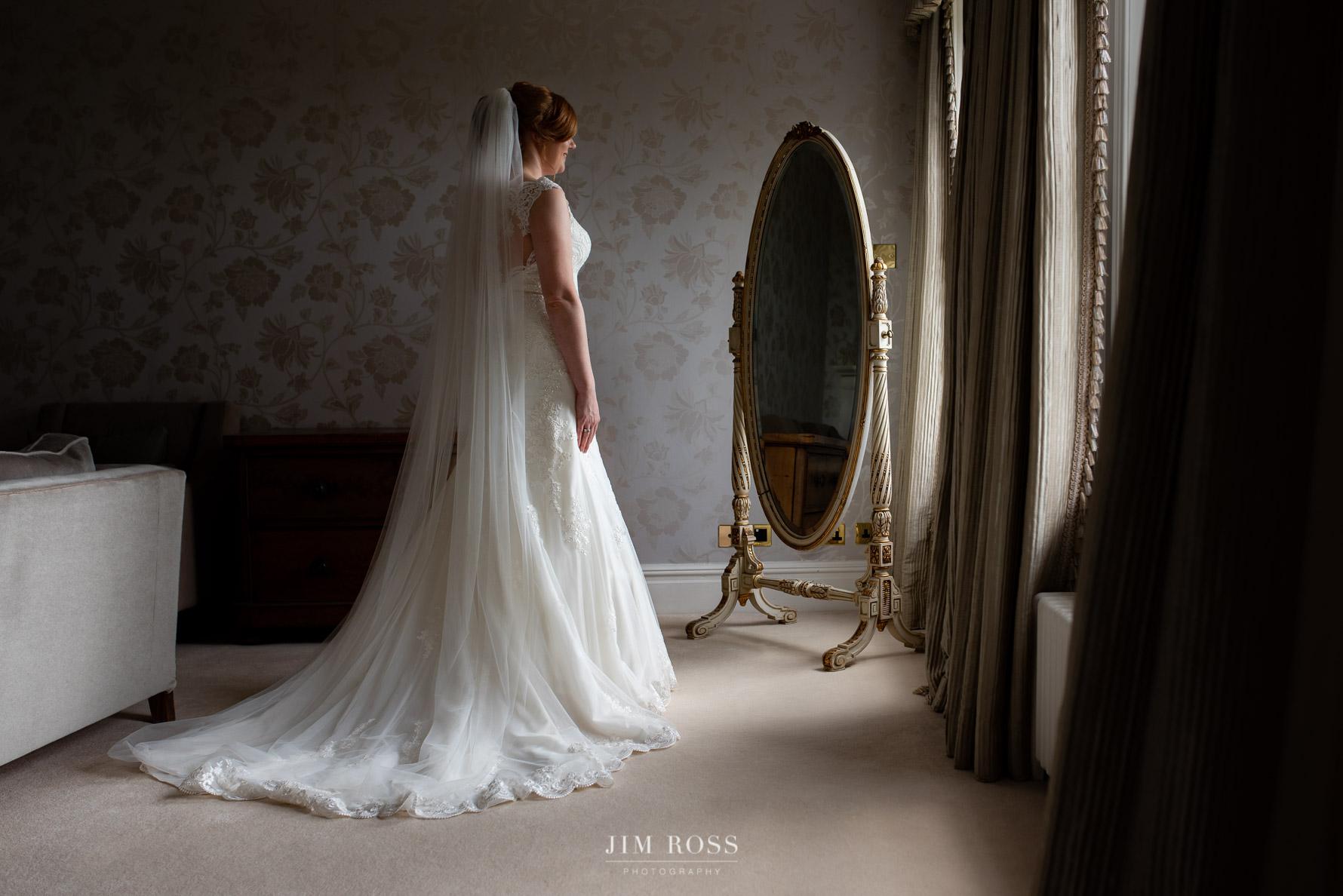 Final bridal preparations