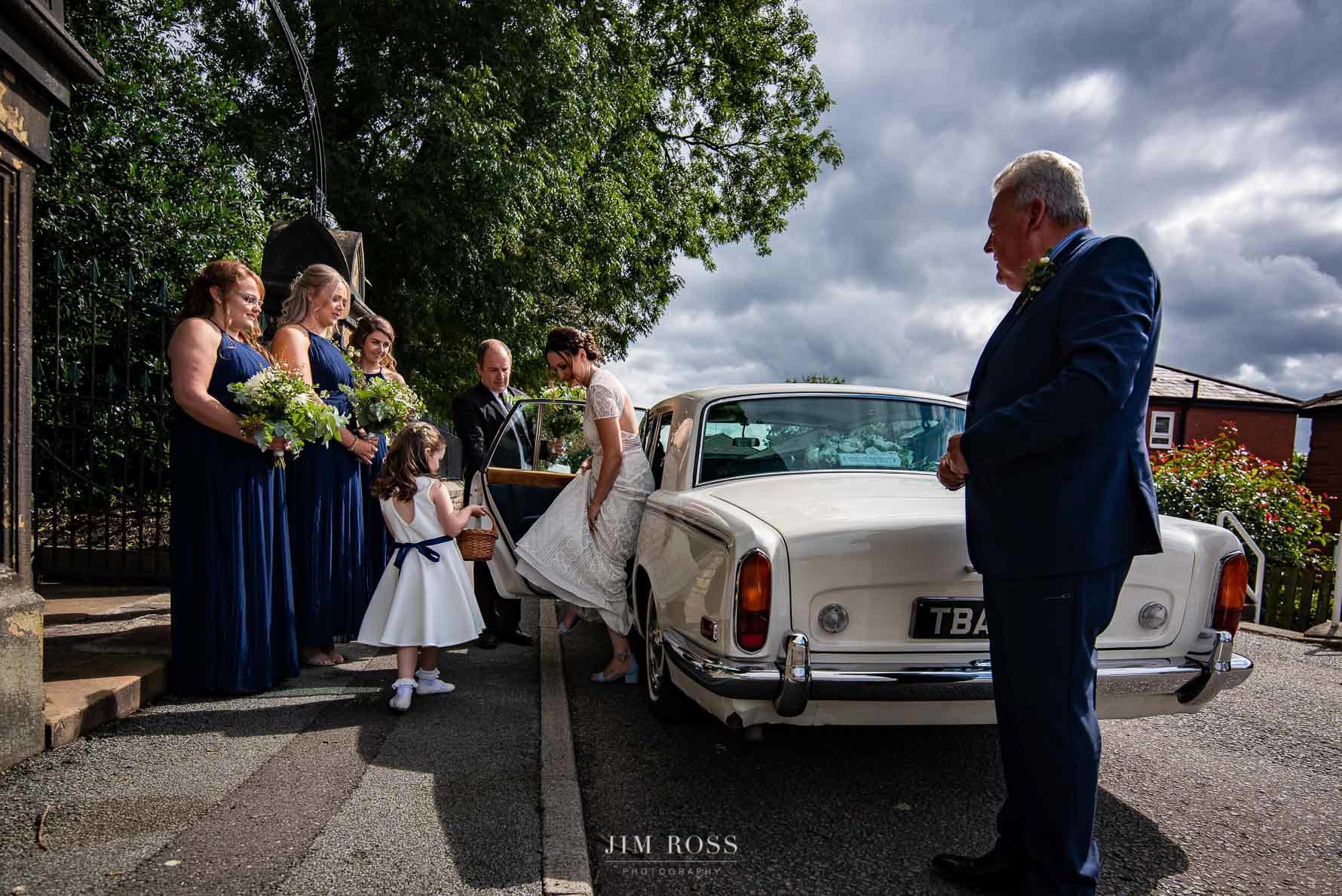 Bride arrives at Milnrow church